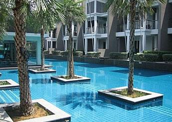 マレーシア不動産 セカンドハウス、別荘としての利用価値が高い コンドのプール施設